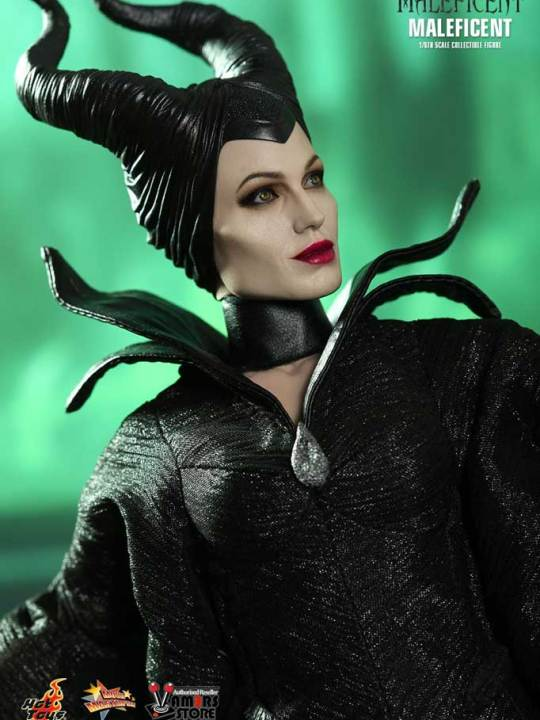 Hot Toys - MMS247 - Maleficent Limited Edition Collectible Figurine 12