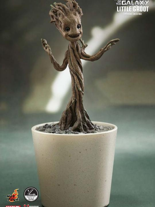 Vamers Store - Hot Toys - QS004 - Guardians of the Galaxy - Little Groot Collectible 02