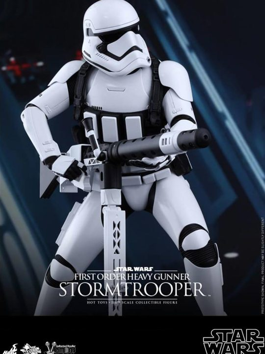 Vamers Store - Hot Toys - MMS319- Disney's Star Wars Episode VII The Force Awakens - First Order Stormtroppers Collectible Set - 05
