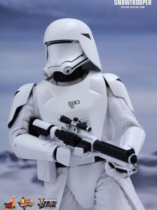 Vamers Store - Hot Toys - MMS323 - Disney's Star Wars Episode VII The Force Awakens - First Order Snowtroopers Collectible Set - 02