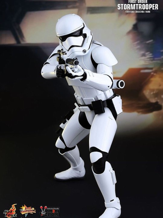 Vamers Store - Hot Toys - MMS335- Disney's Star Wars Episode VII The Force Awakens - First Order Stormtrooper Officer and Stormtrooper Collectible Set with Mouse Droid - 09