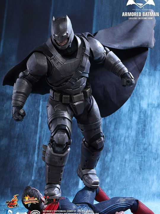 Vamers Store - Hot Toys - MMS349 - Batman v Superman DOJ - Armoured Batman - 01