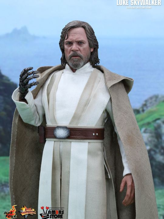 vamers-store-hot-toys-mms390-disneys-star-wars-episode-vii-the-force-awakens-luke-skywalker-03