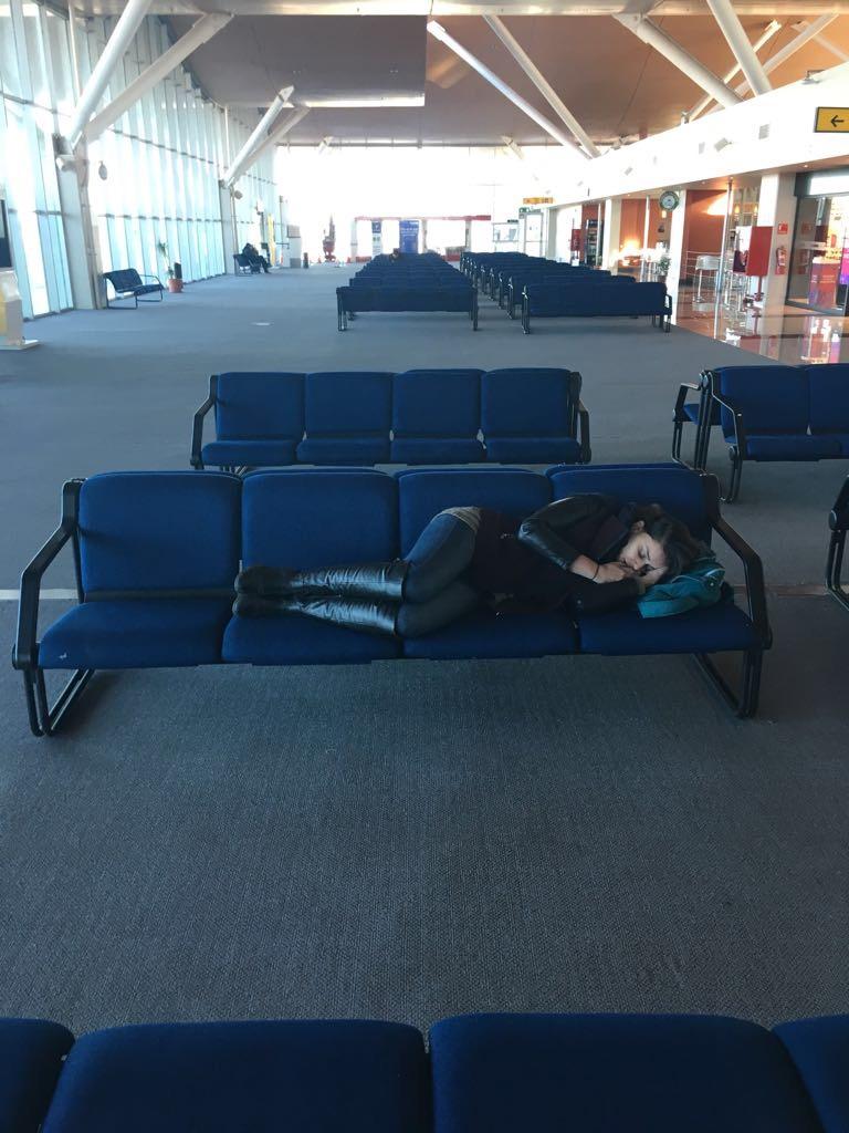 dormindo-aeroporto-atacama