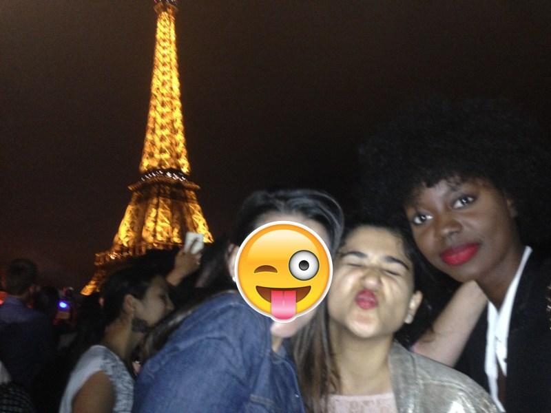 passeio de barco noturno em paris