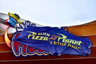 pizza planeta disney