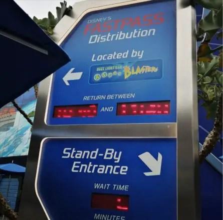 tips para evitar largas filas en Disneyland