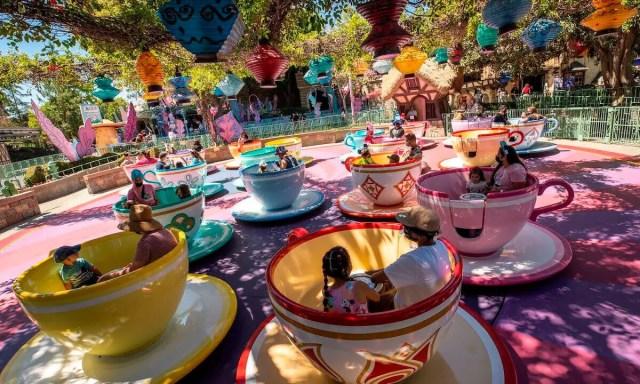 Atracciones abiertas durante reapertura de Disneyland