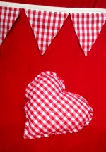 Cojín corazón Vichy Rojo