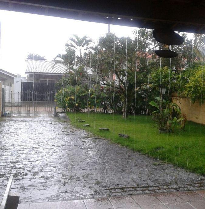 Ubatuba com chuva