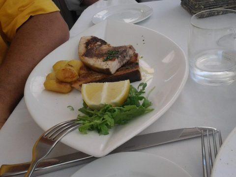 Capri - peixe grelhado