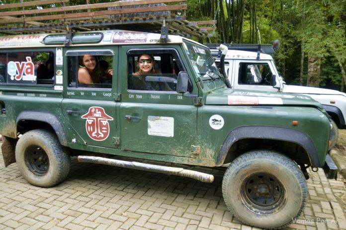 passeio de jeep pelas cachoeiras de Paraty