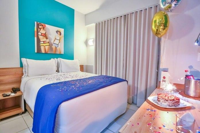 Quarto Aniversário - Hotel Mega Moda