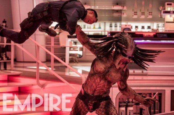 the-predator-lab-attack-scene-1108440