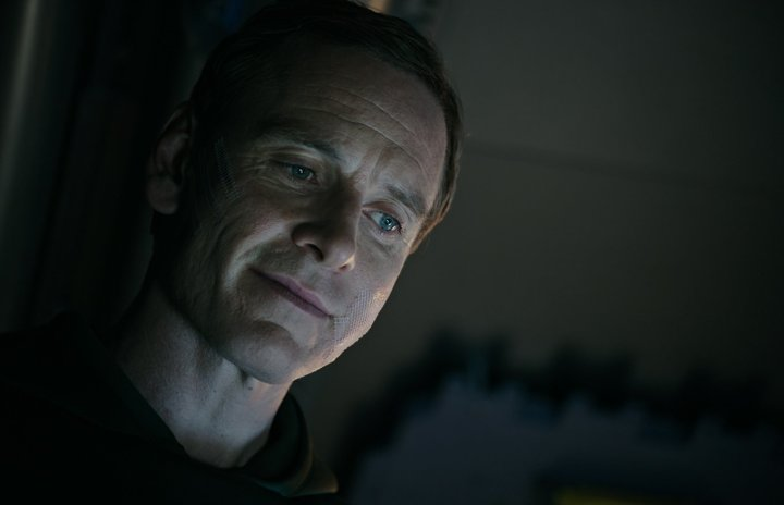 Michael-Fassbender-as-David-in-ALIEN-COVENANT.jpg