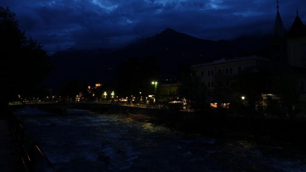 Meran by night
