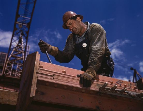 construction-workers-60585_1920
