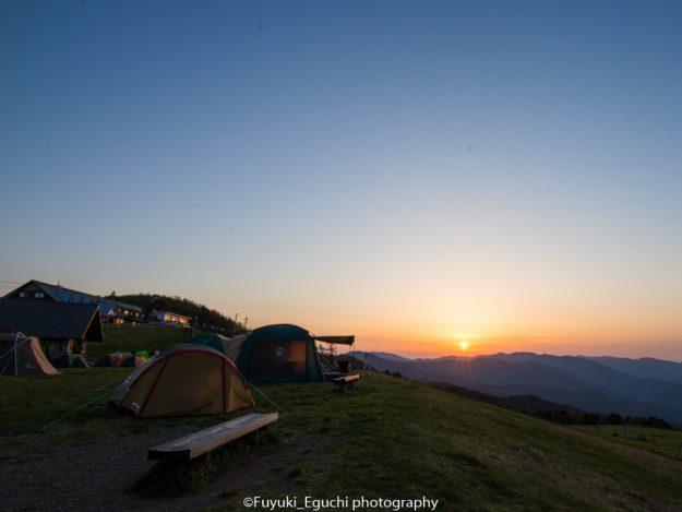 姫鶴平キャンプ場からの夕日 (Canon EOS6D + TAMRON SP 15-30mm F2.8)