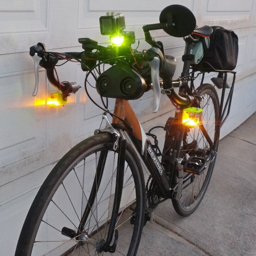 Han-LinYong: Bike Signal Light with 360° Visibility