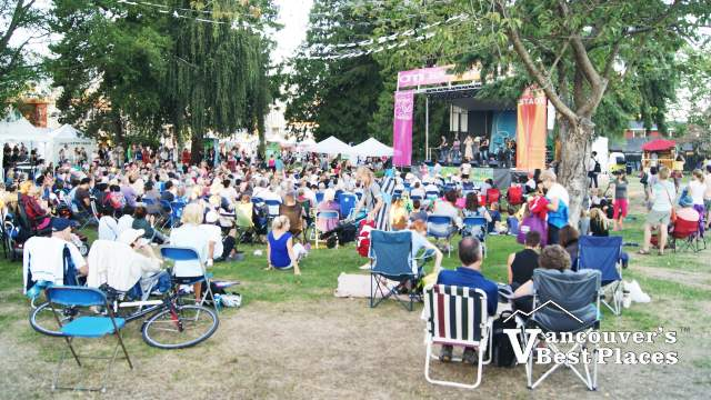 Harrmony Arts Crowds at John Lawson Park