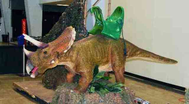 Discover the Dinosaurs Triceratops Ride