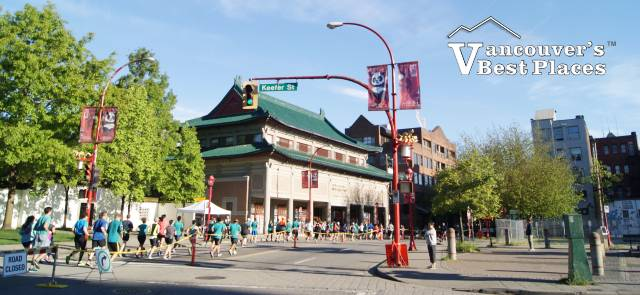 BMO Marathon in Chinatown