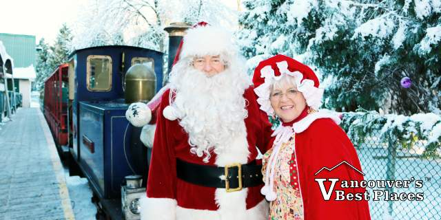 Santa and Mrs Claus at Bear Creek Park