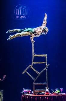 Cirque du Soleil Balancing Act