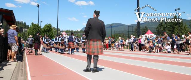 Highland Pipe Band on the Track