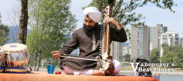 Indian Summer Pause in the Park Performer