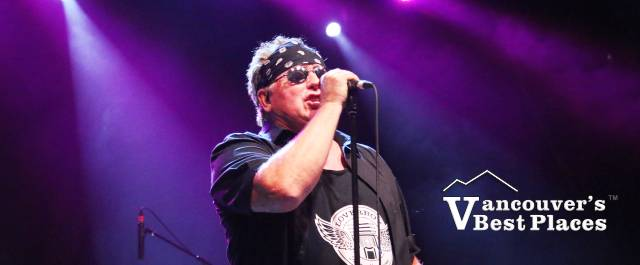 Mike Reno of Loverboy in Concert