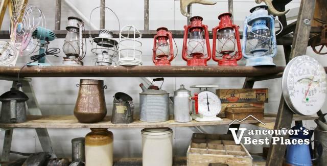 Olde Farmhouse Vintage Items Display