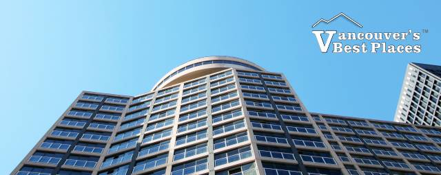 Vancouver's Pinnacle Hotel Harbourfront