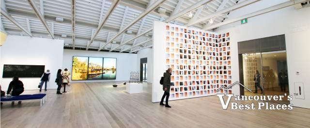 Polygon Art Gallery Display Hall
