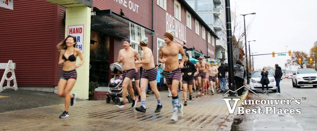 Undie Runners Outside the Brewhall