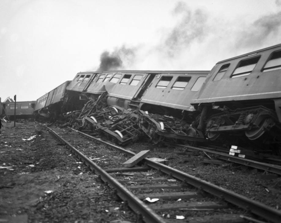 Treinramp bij Harmelen - Een van de treinen