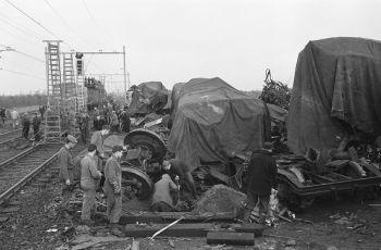 Ravage op de plaats van de ramp - Foto: CC / Nationaal Archief / Anefo