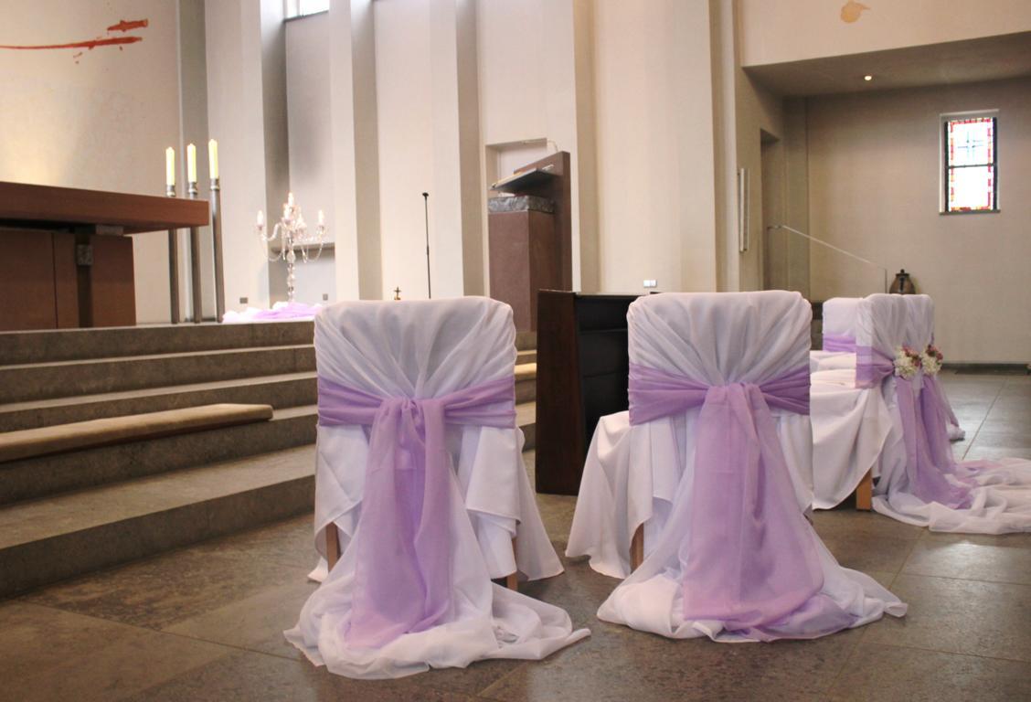 Lila Deko fr Kirchenbnke und Altar  Vanda Deko und