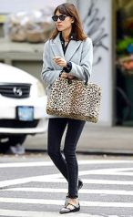 106984, **EXCLUSIVE** NEW YORK, NEW YORK - October 17, 2013. Alexa Chung seen out and about in Soho in New York City. Photograph: © PacificCoastNews **FEE MUSTAGE AGREED PRIOR TO USAGE** **E-TABLET/IPAD & MOBILE PHONE APP PUBLISHING REQUIRES ADDITIONAL FEES** LOS ANGELES OFFICE: +1 310 822 0419 LONDON OFFICE: +44 20 8090 4079