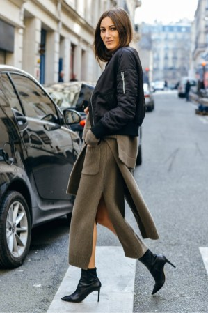 bomber-jacket-black-over-knits-laiamagazine-giorgia-tordini-street-style-fw15-paris-fashion-week-683x1024