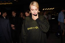Рената Литвинова в свитере Гоши Рубчинского