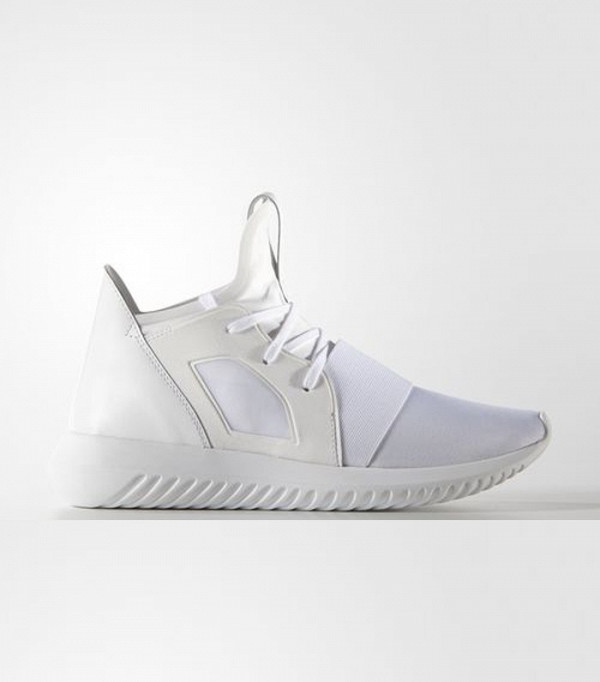 these-will-be-the-most-popular-sneakers-of-2017-2083837-600x0c