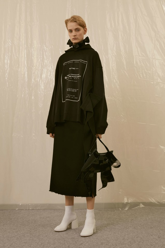 21-mm6-maison-margiela-pre-fall-18