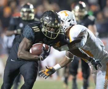 Trent Sherfield (10) as Vanderbilt beat #17 Tennessee 45-34 at Vanderbilt Stadium November 26, 2016.