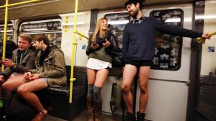 no-pants-subway-ride-berlin-copy