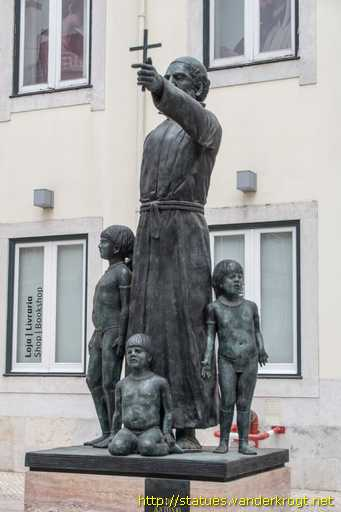 Image result for estátua do padre antónio vieira