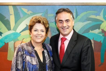Prefeito Luciano Cartaxo de olho nas obras e no prestígio eleitoral da presidente