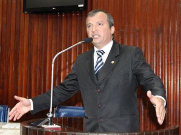Trócolli mantém contato com prefeitos e vereadores (Foto de Assessora)