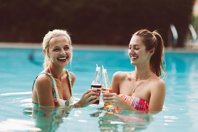 10-poolside-shoot-colorful-summer-swim-kayla-snell-photography-lauren-vandiver--vandi-fair