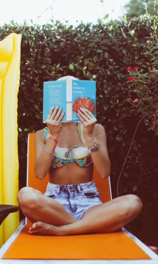 21-poolside-shoot-colorful-summer-swim-kayla-snell-photography-lauren-vandiver--vandi-fair